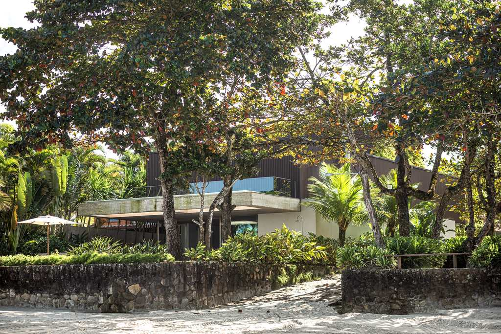 Casa em São Sebastião, no bairro Baleia