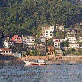Casa em São Vicente, bairro Parque Prainha