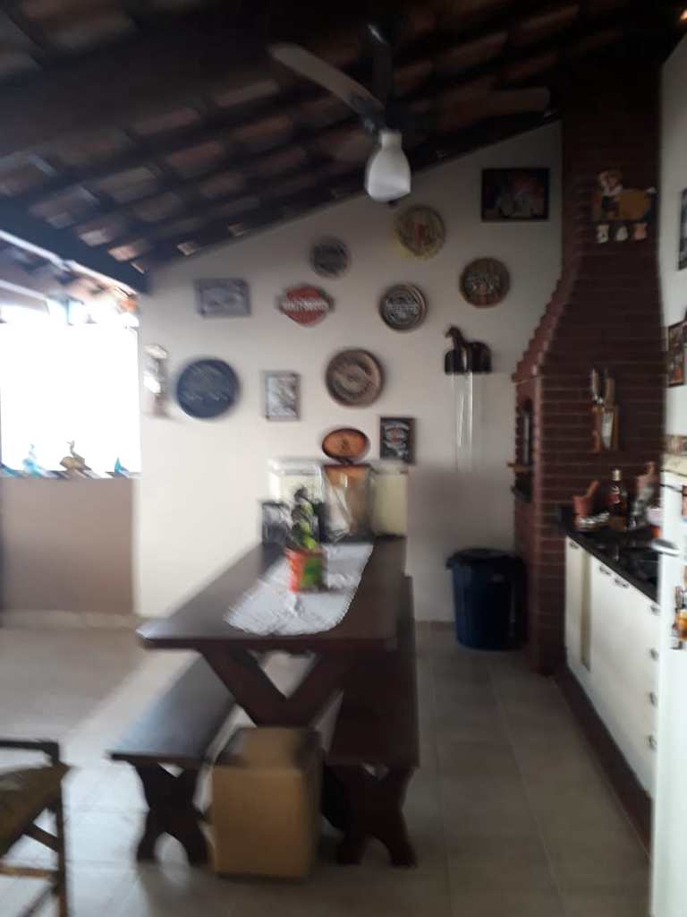 Casa em São Vicente, no bairro Vila Valença