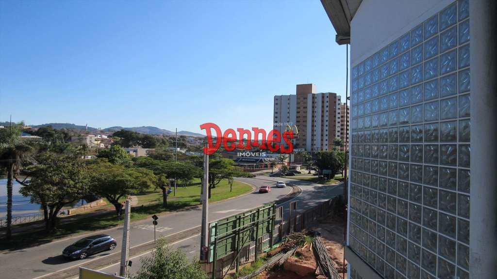 Sala Comercial em Bragança Paulista, bairro Taboão