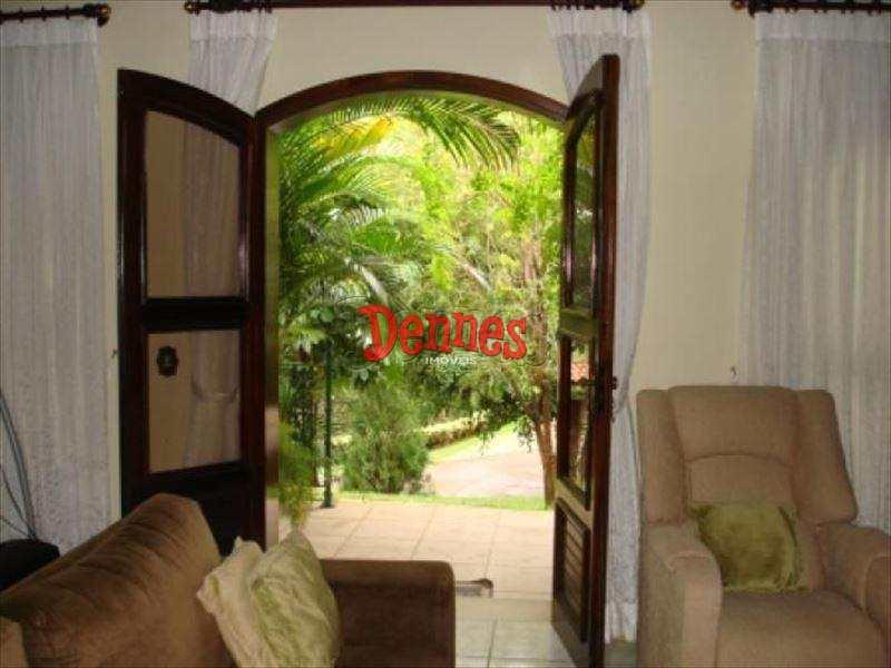 Casa de Condomínio em Itatiba, bairro Parque das Laranjeiras
