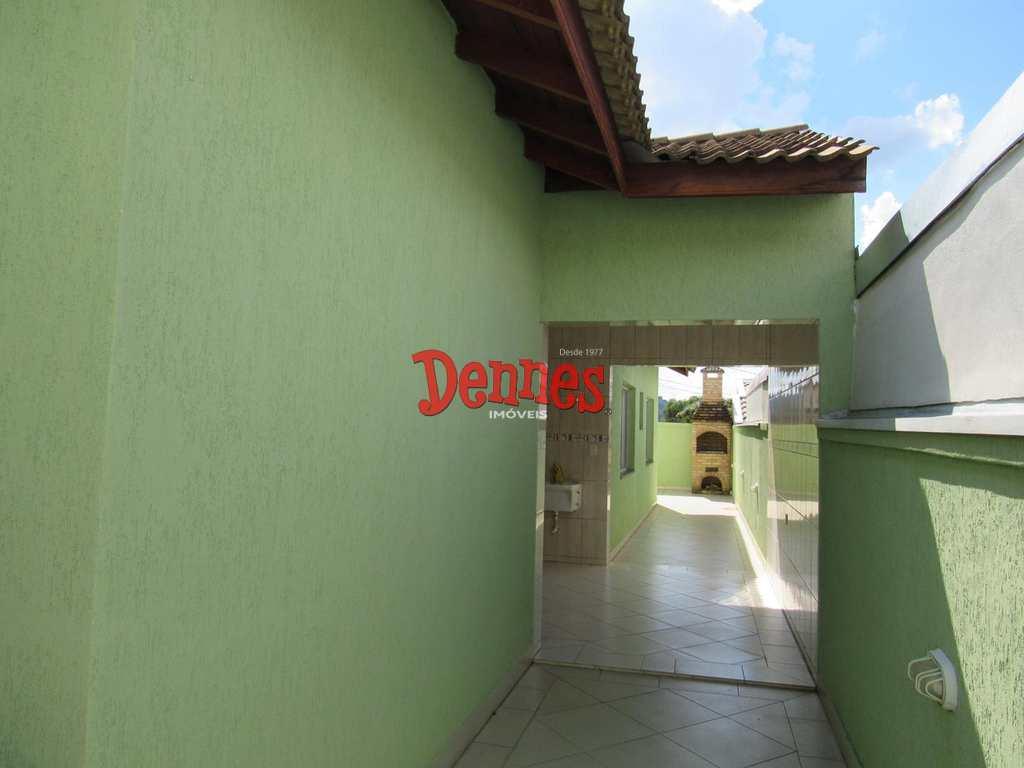 Casa em Bragança Paulista, no bairro Recanto Amapola