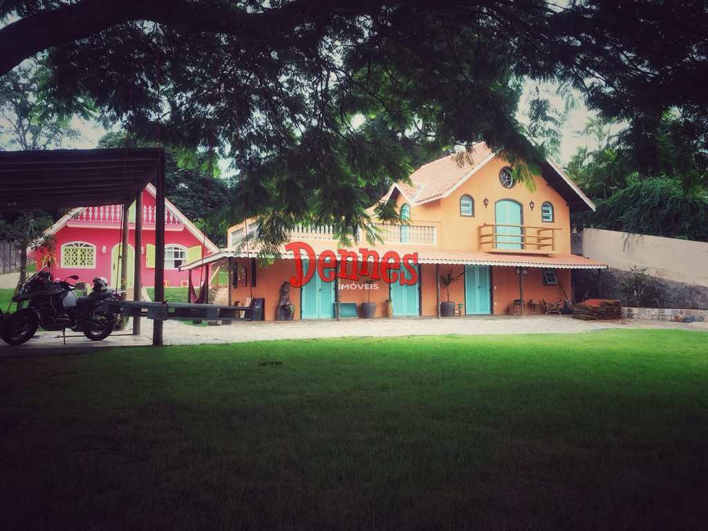 Casa em Bragança Paulista, no bairro Lagos de Santa Helena