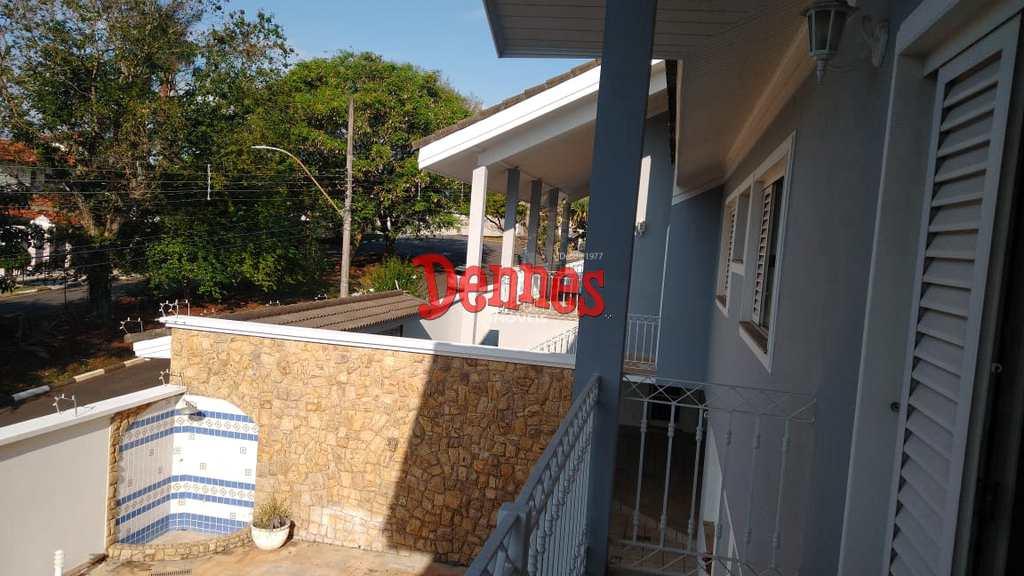 Casa em Bragança Paulista, no bairro Jardim América