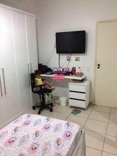 Apartamento, código 643 em São Vicente, bairro Itararé