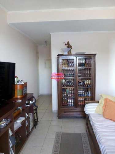 Apartamento, código 758 em São Vicente, bairro Centro