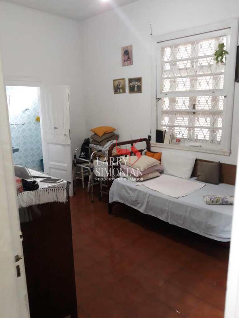 Casa em Guarujá, no bairro Vila Maia