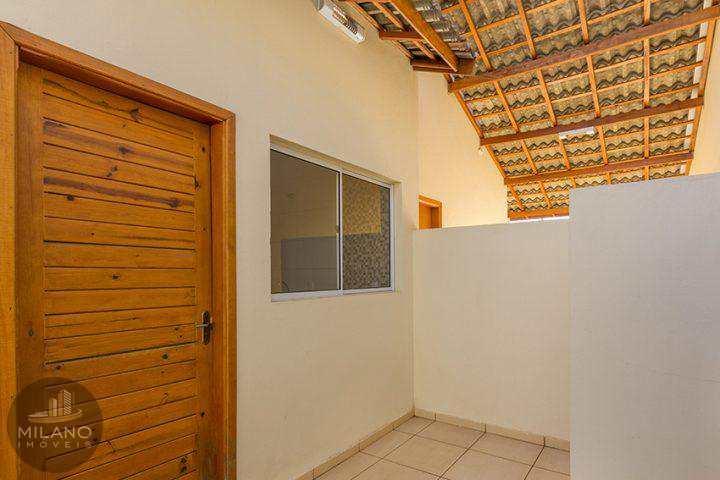 Casa em Três Lagoas, bairro Parque das Mangueiras