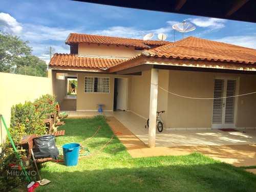 Casa, código 338 em Três Lagoas, bairro Parque São Carlos