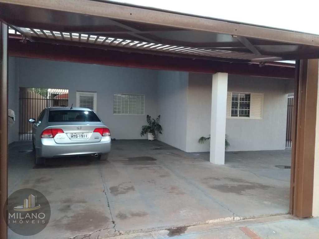 Casa em Três Lagoas, no bairro Jardim Paranapunga