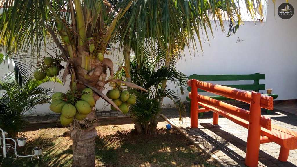 Casa em Três Lagoas, no bairro Parque das Mangueiras
