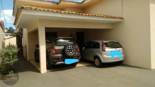 Casa, código 403 em Três Lagoas, bairro Ipê