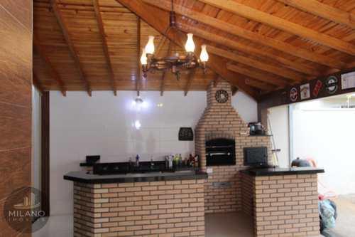 Casa, código 500 em Três Lagoas, bairro Ipê