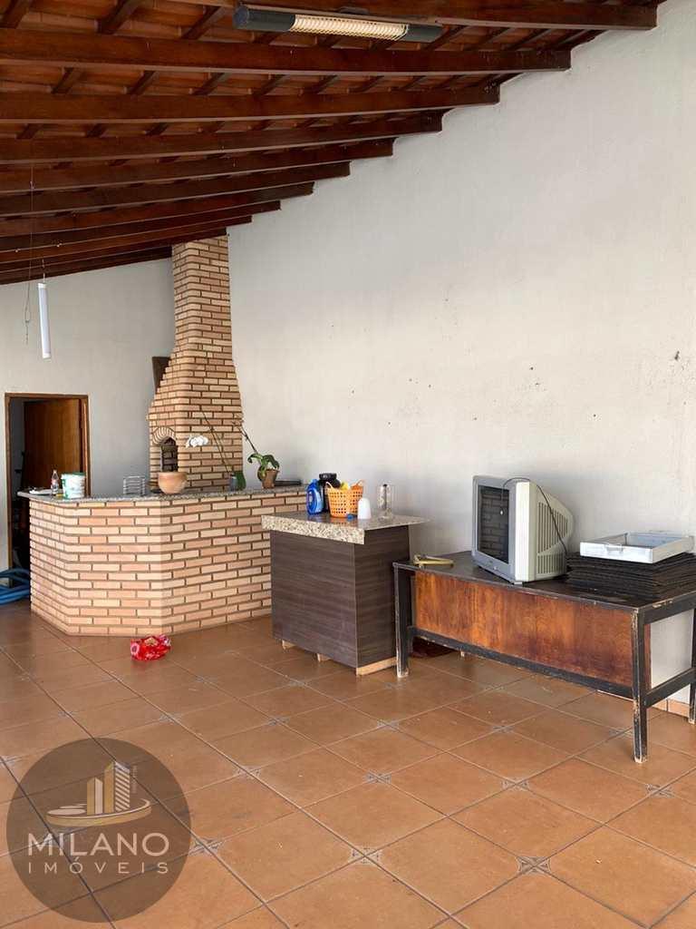 Casa em Três Lagoas, no bairro Vila Nova