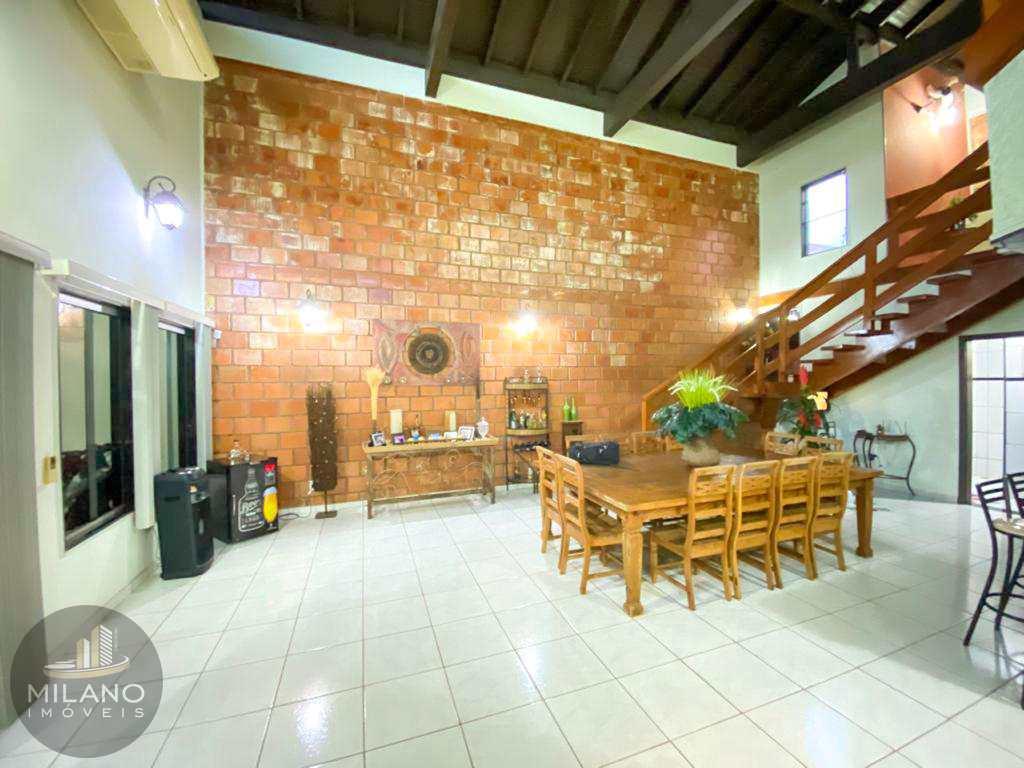 Casa em Três Lagoas, no bairro Santos Dumont