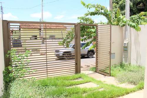 Casa, código 640 em Três Lagoas, bairro Interlagos