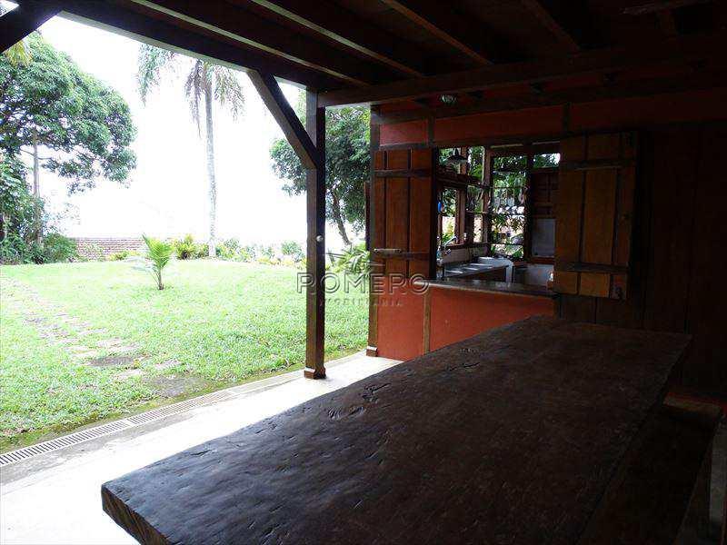 Casa em Ubatuba, no bairro Picinguaba