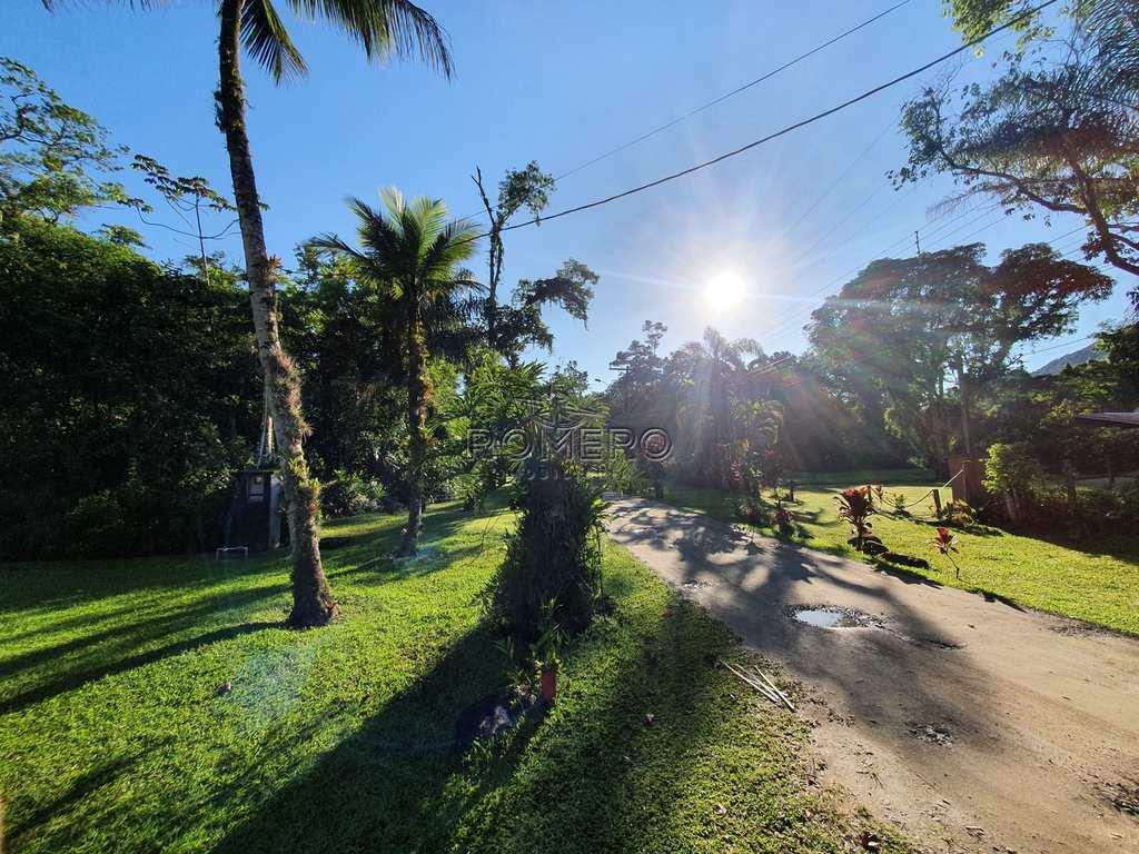 Terreno em Ubatuba, no bairro Praia da Maranduba