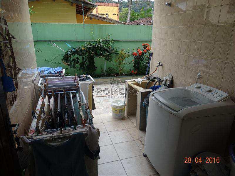 Casa em Caraguatatuba, no bairro Sumaré