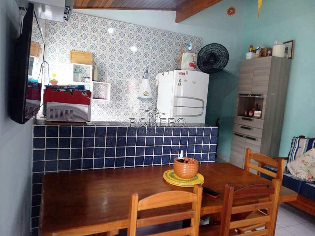 Casa em Ubatuba, no bairro Praia da Maranduba
