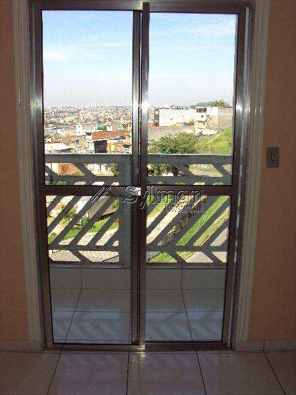 Apartamento em Guarulhos, bairro Parque Primavera