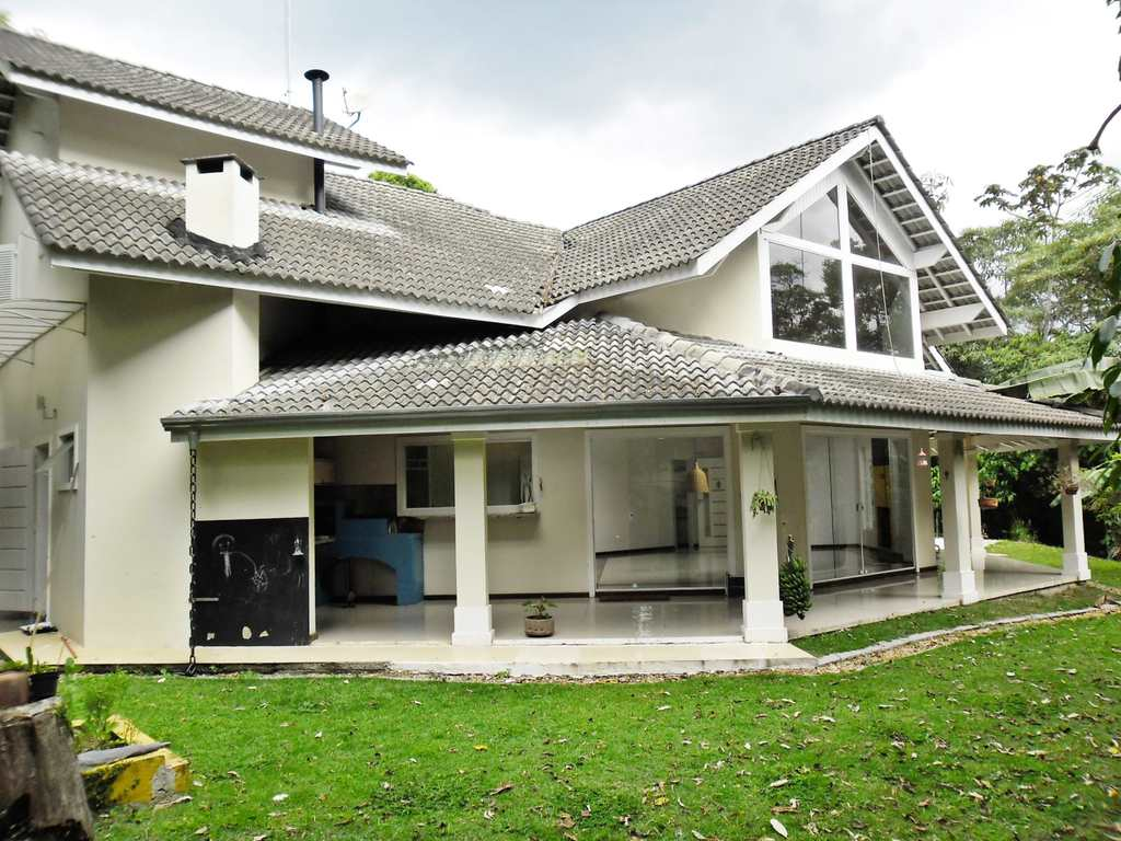 Casa em Mairiporã, bairro Centro