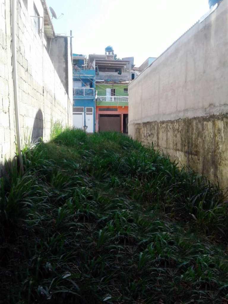 Terreno em Guarulhos, bairro Jardim IV Centenário