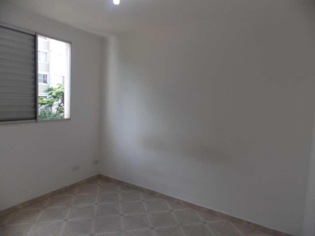Apartamento em Guarulhos, bairro Água Chata