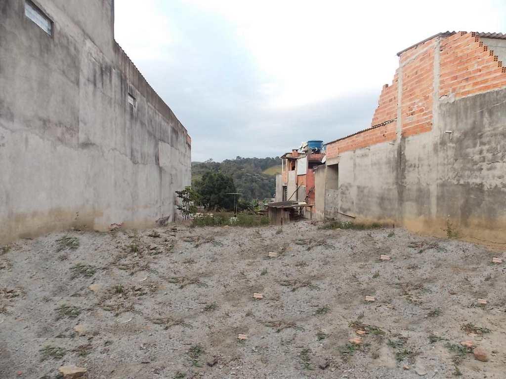 Terreno em Guarulhos, bairro Cidade Soberana
