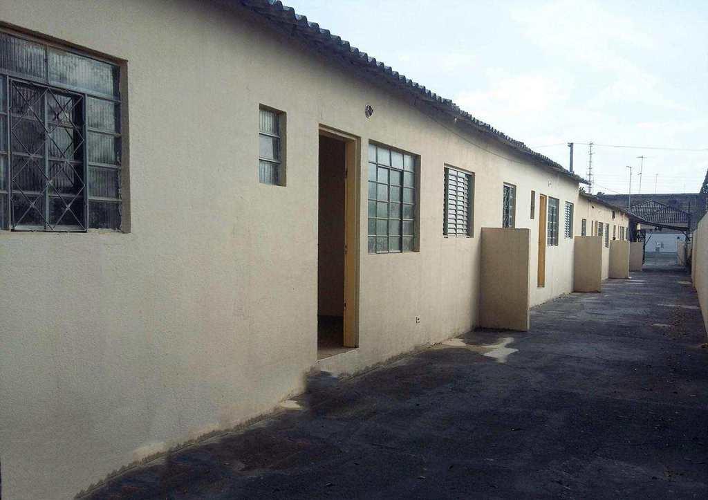 Casa em Itaquaquecetuba, bairro Estação