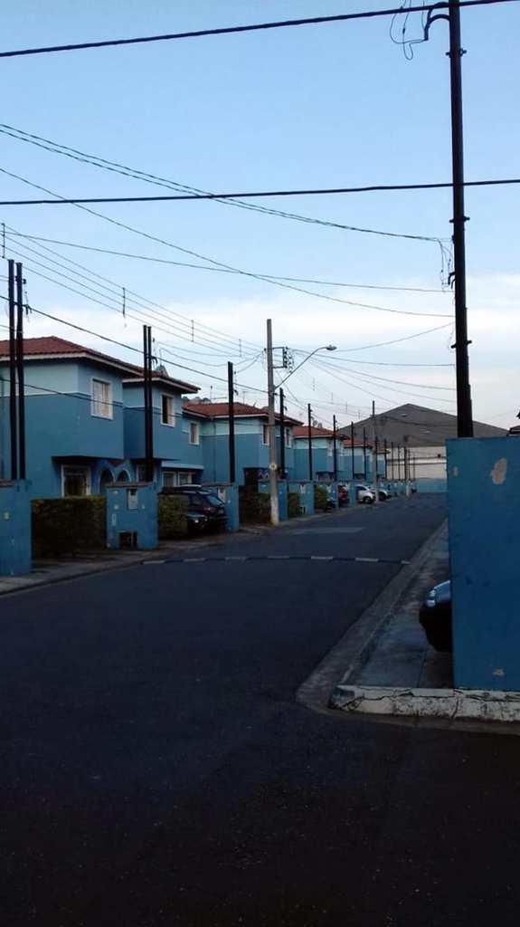 Sobrado em Guarulhos, bairro Jardim Ottawa