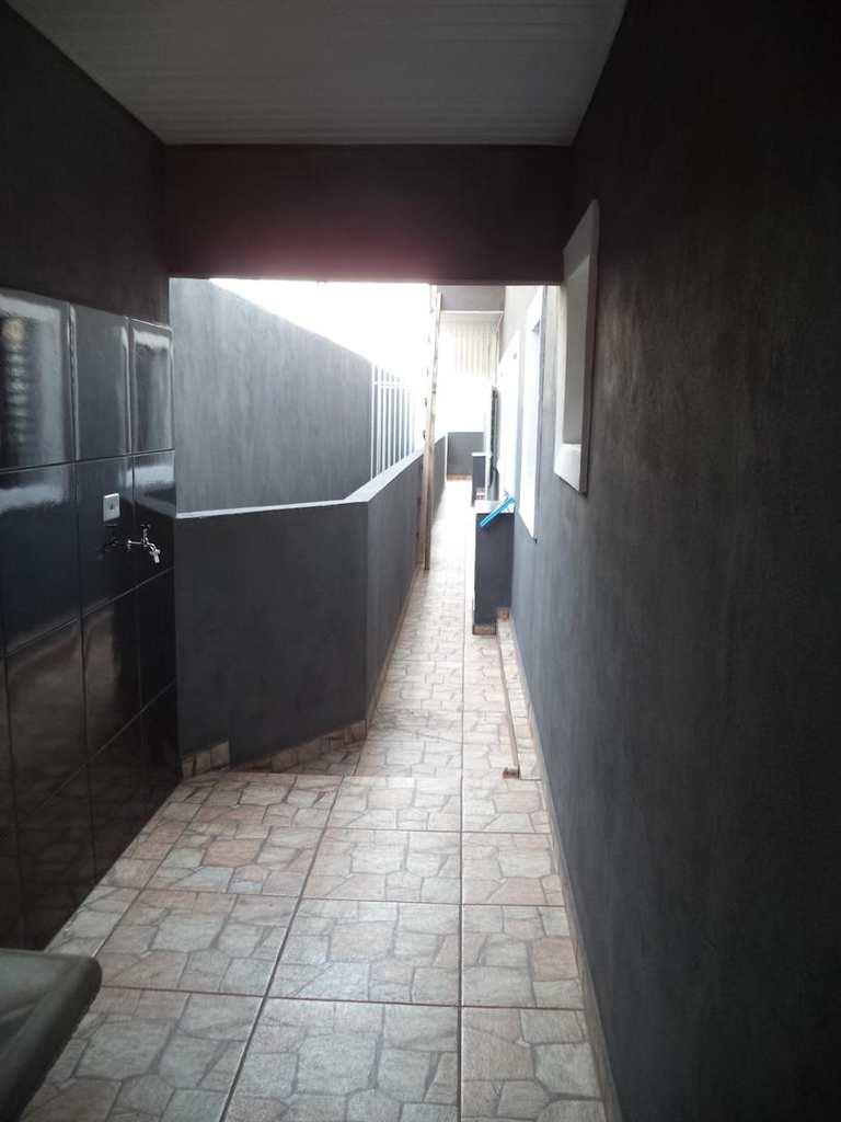 Casa em Jandira, no bairro Sítio Pedra Bonita