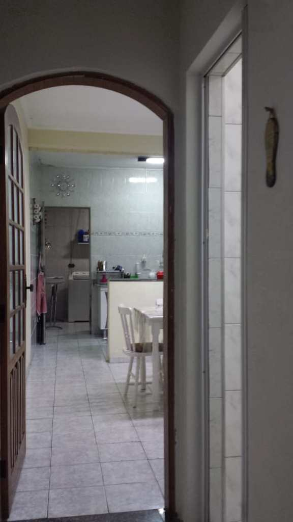 Casa em Carapicuíba, no bairro Jardim Angélica