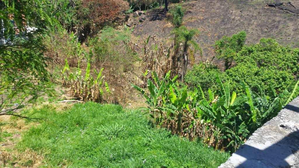 Terreno em Barueri, no bairro Jardim Califórnia