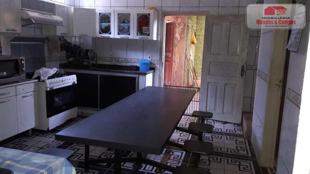 Casa Comercial em Ariquemes, no bairro Setor 09