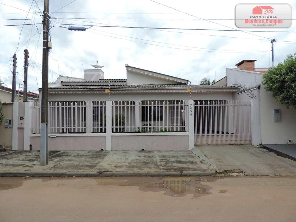 Casa em Ariquemes, no bairro Bnh