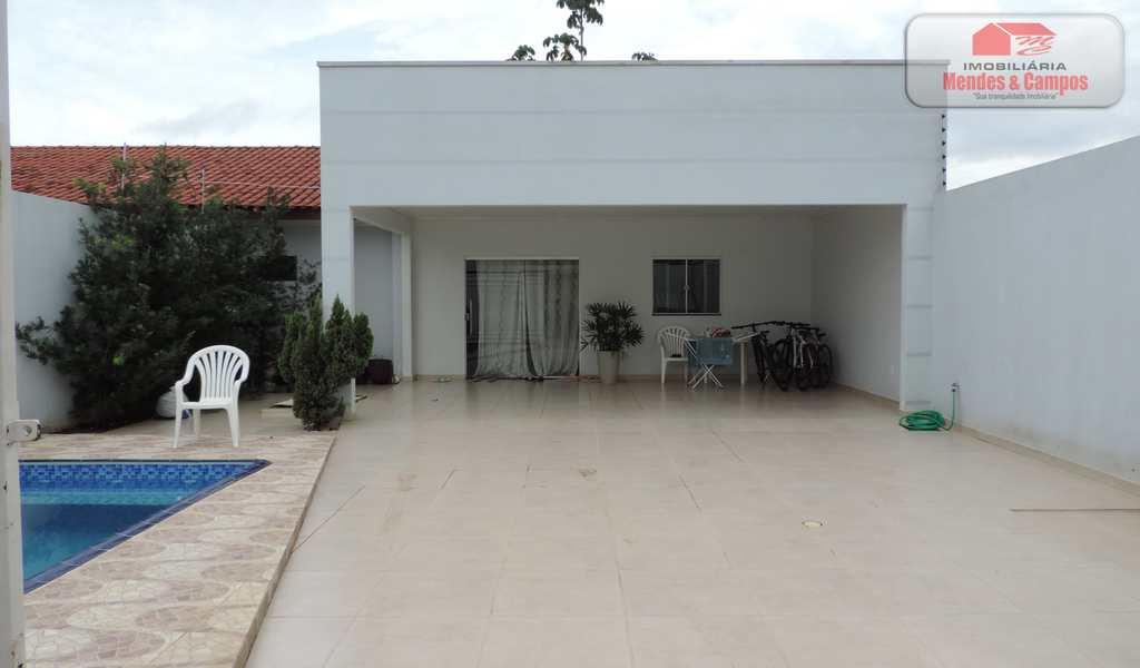 Casa em Ariquemes, bairro Áreas Especiais 02