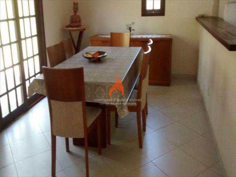 Casa de Condomínio em Embu-Guaçu, no bairro Centro