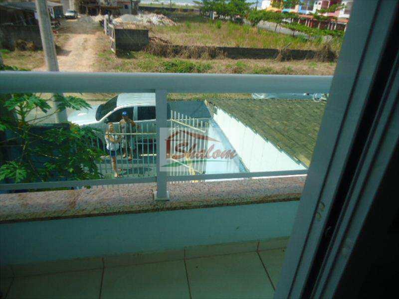 Sobrado em Caraguatatuba, no bairro Parque Balneário Poiares