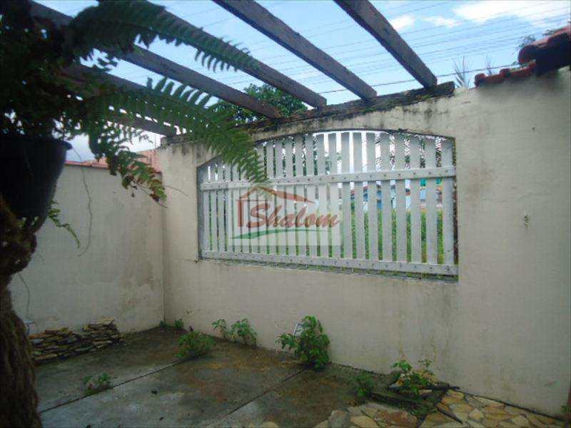 Sobrado em Caraguatatuba, no bairro Jardim Jaqueira