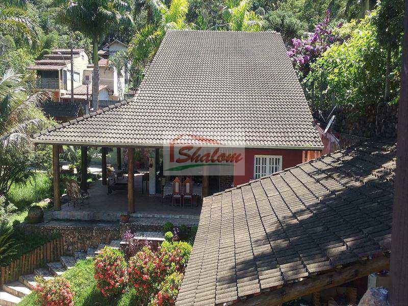 Casa em Caraguatatuba, no bairro Jardim Terralão
