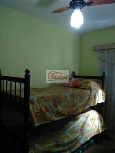 Apartamento, código 1021 em Caraguatatuba, bairro Jaraguá