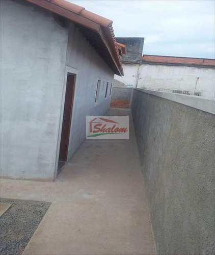 Casa, código 900 em Caraguatatuba, bairro Jardim Tarumãs