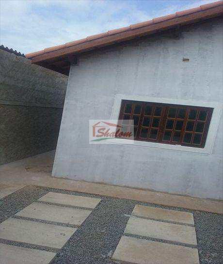 Casa em Caraguatatuba, no bairro Jardim Tarumãs
