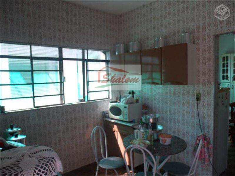 Casa em Caraguatatuba, no bairro Travessão