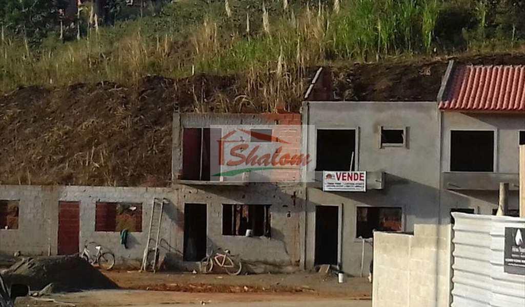 Sobrado em Caraguatatuba, bairro Massaguaçu