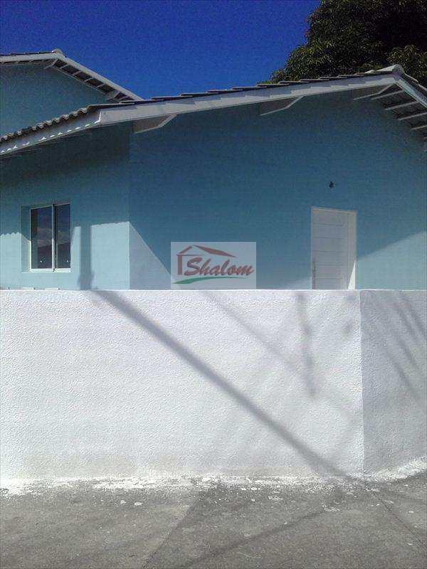 Sobrado em Caraguatatuba, no bairro Jardim Brasil