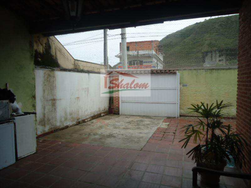 Casa em Caraguatatuba, bairro Balneário Forest