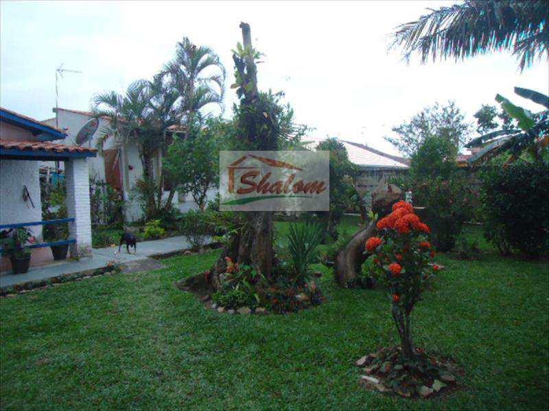 Casa em Caraguatatuba, bairro Balneário Gardem Mar