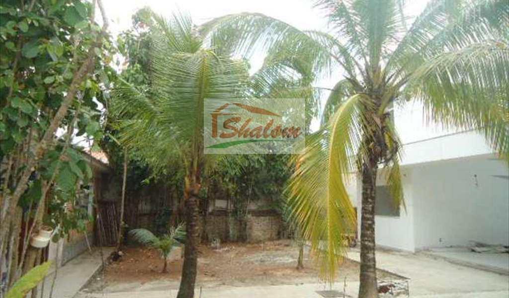 Sobrado em Caraguatatuba, bairro Indaiá